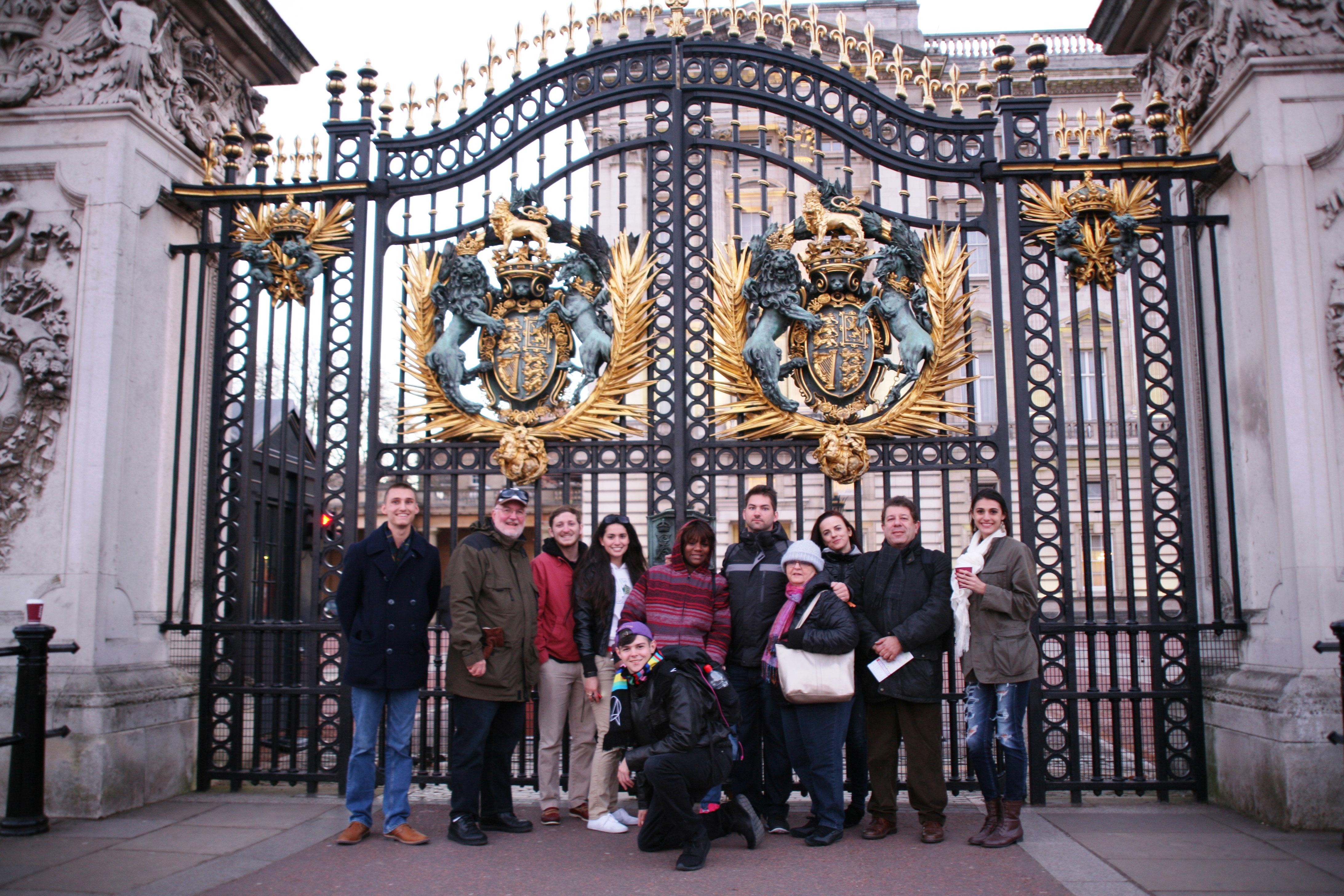 World-War-I-and-II-trip-Buckingham-Palace-gate