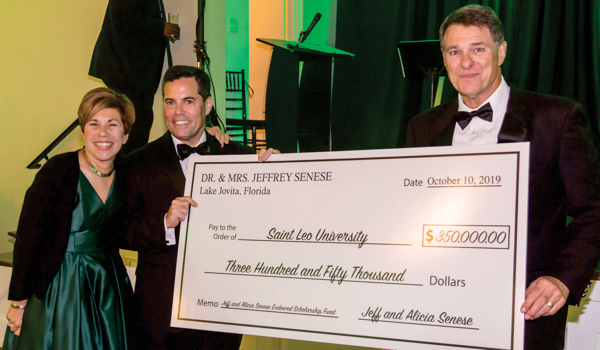 Gala raises $550,000 for student scholarships