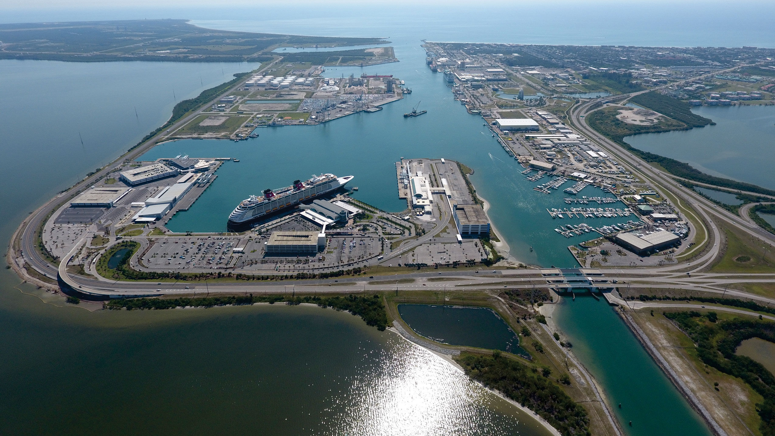 Canaveral-Harbor,-Full-View-Aerial